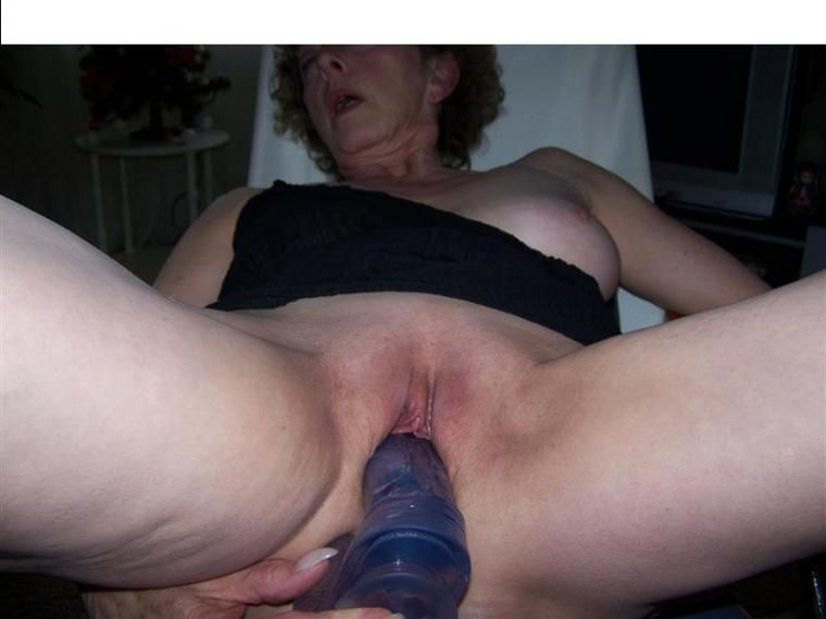 Man using wifes dildo