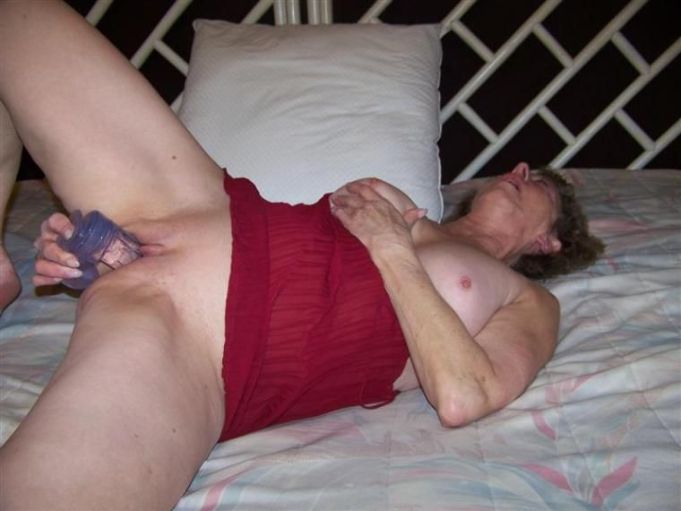 Mature wife masturbates with dildo