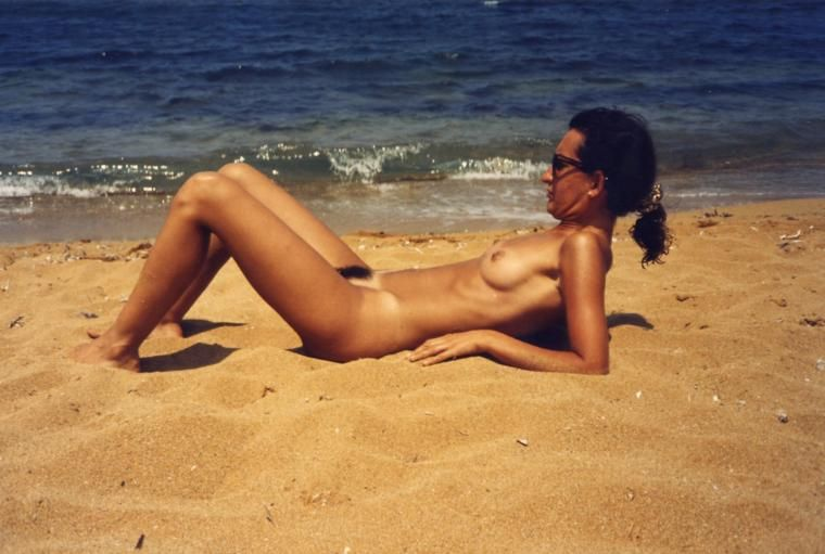 beach on showing Wife pussy