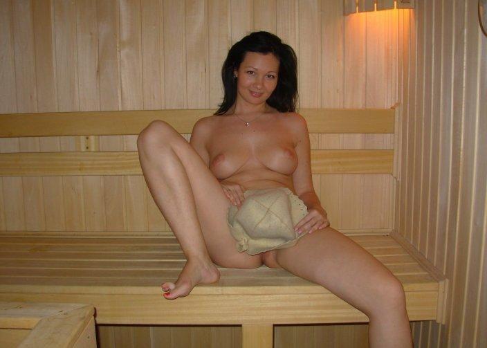 nude wife in sauna