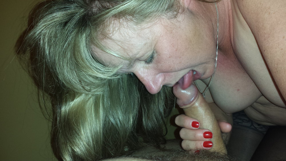 My wife loves other cocks rubbing