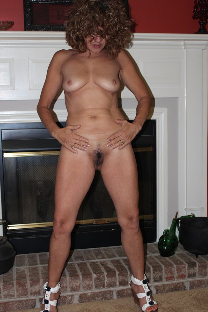 Mature Wife Loves Posing Naked Hot Mom Stripping Off Underwear