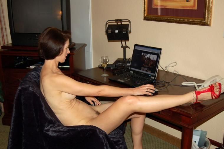 wife watching porn on computer
