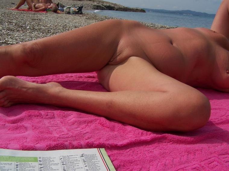 find6 xyz hot alma pearl flashing pussy on live webcam