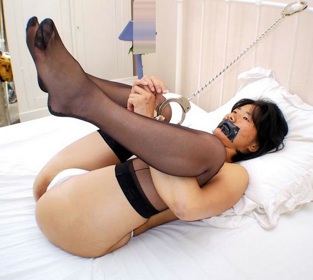 Asian slave tied up and toy fucked terrifically - XVIDEOSCOM