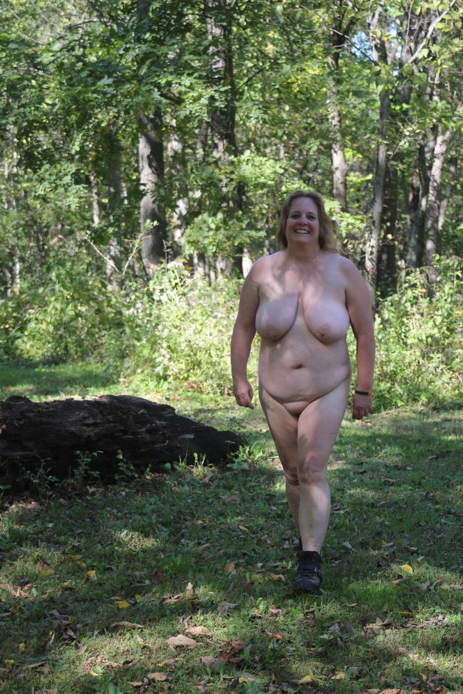 nude pics of women from greece