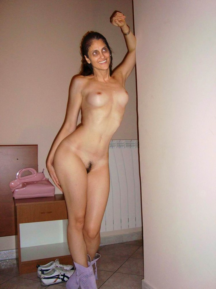 nude pics of hot sis in laws