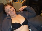 Bbw brunette lisa has a good time getting nude for us all