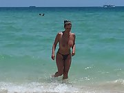 Gise amazing naked body at south beach I like to expose my body