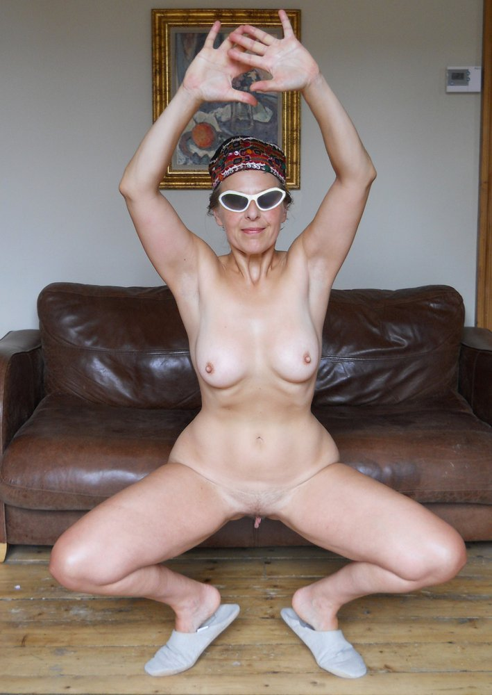 Picture Selection Of A Sexy Amateur..