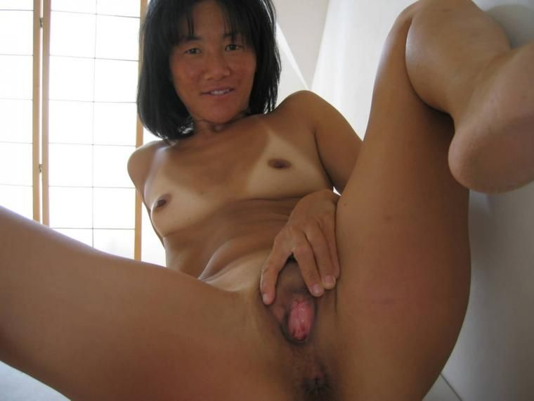 Pussy asian finger Open