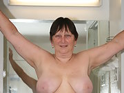 Roberta, hope and Horny at 66 with 4oD shared tits and ass