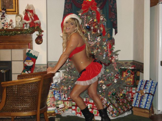 Milf naked under christmas tree