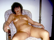 Yvonne shaved her pussy for me and liked it that way