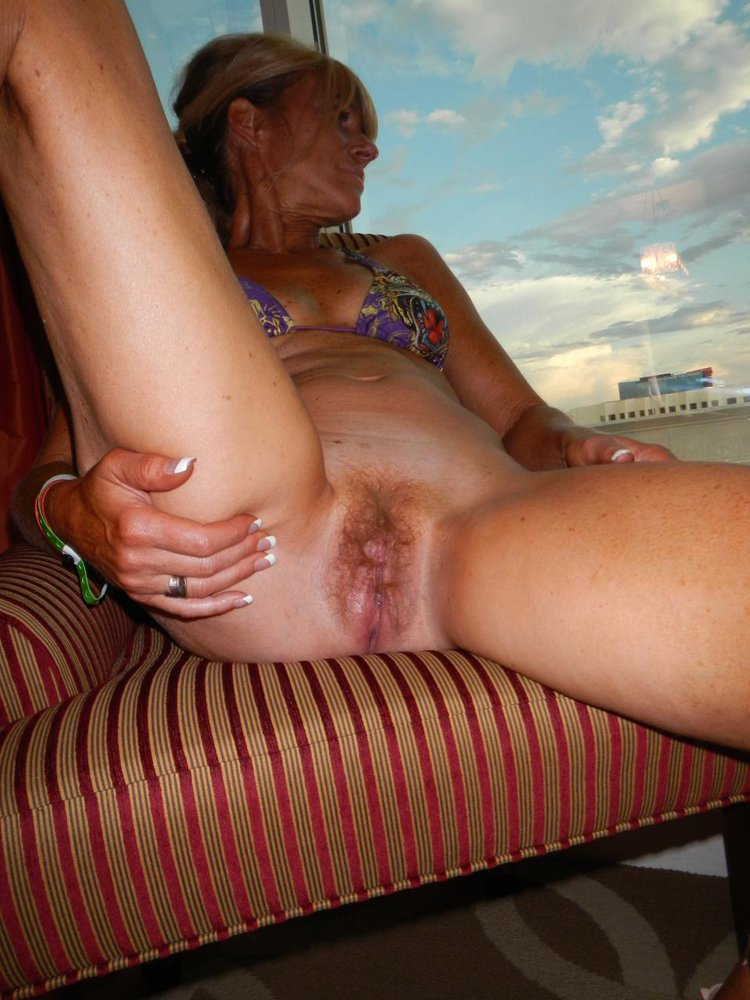 Amateur lovely wife well used to being fisted 9