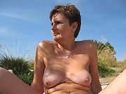 Chubby Mature slut wife Anna want you naked and giving oral
