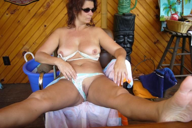 Gallery hunter milf