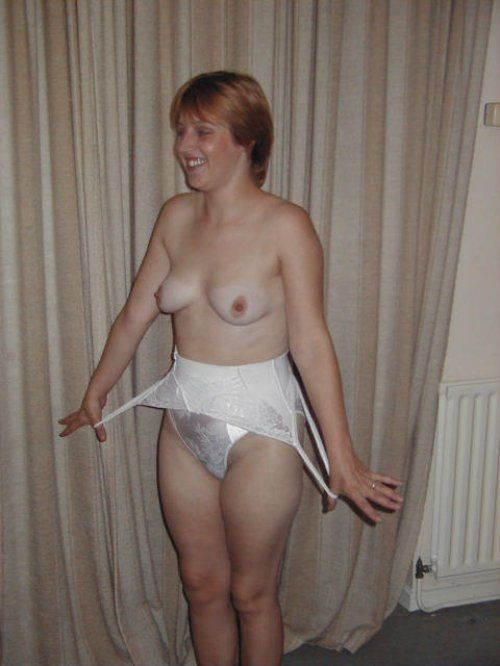 Wife will pose nude