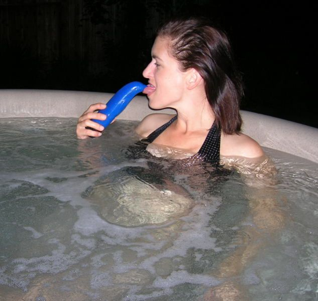 Brunette Hot Tub Dildo