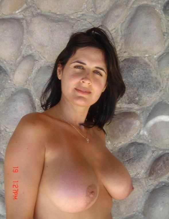 Nude greek wife