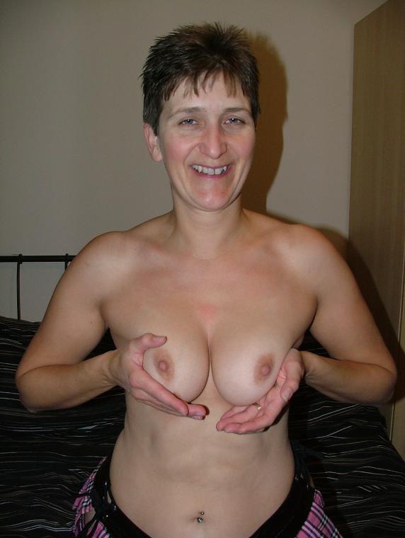 nude Short hair glasses
