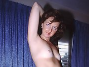 Geri A Nude Wife Posing In Porn For ALL