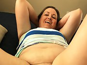 Chubby wife before and after shaving her hairy pussy