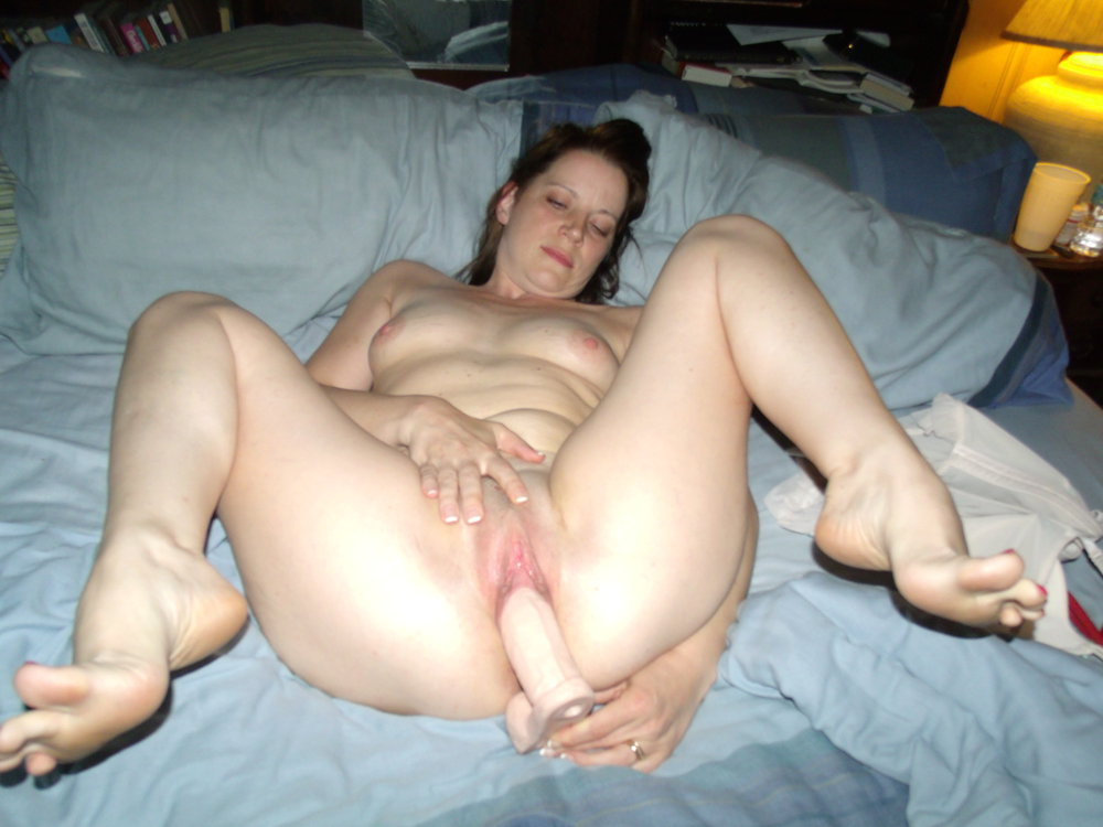 Amateur wife nude dildo think