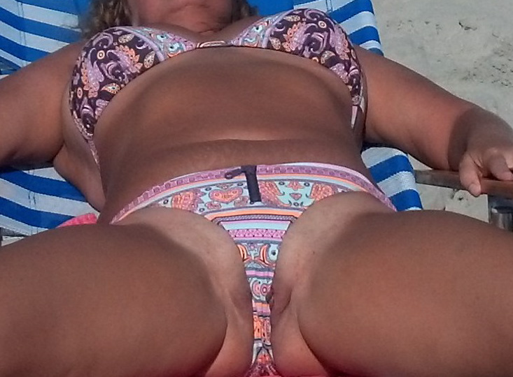 Hot wife in bikini