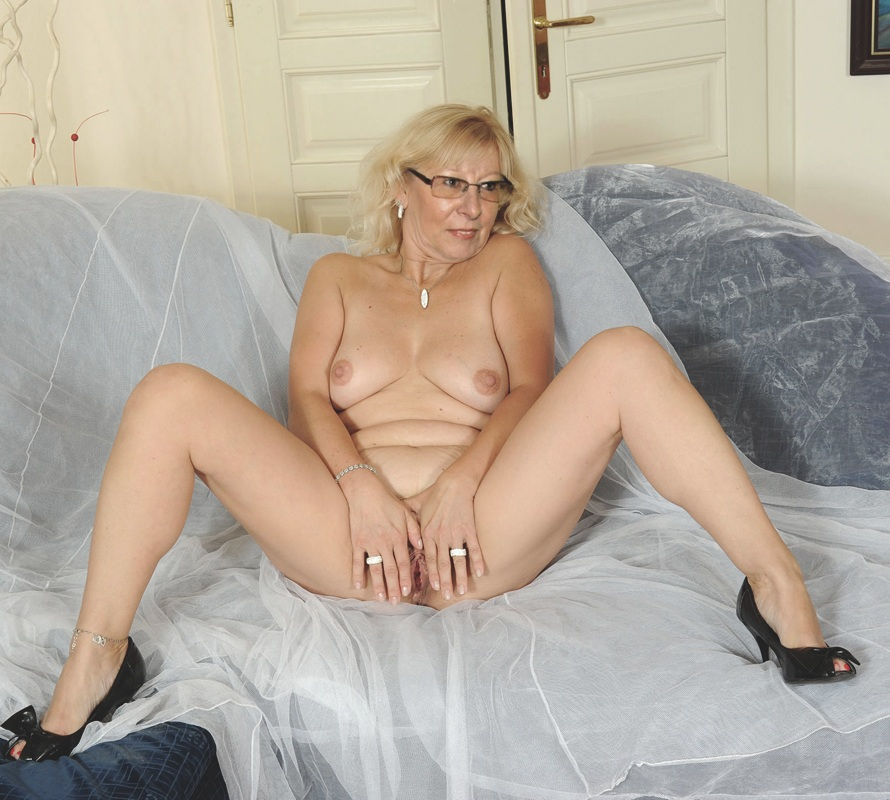 Mature naked woman german