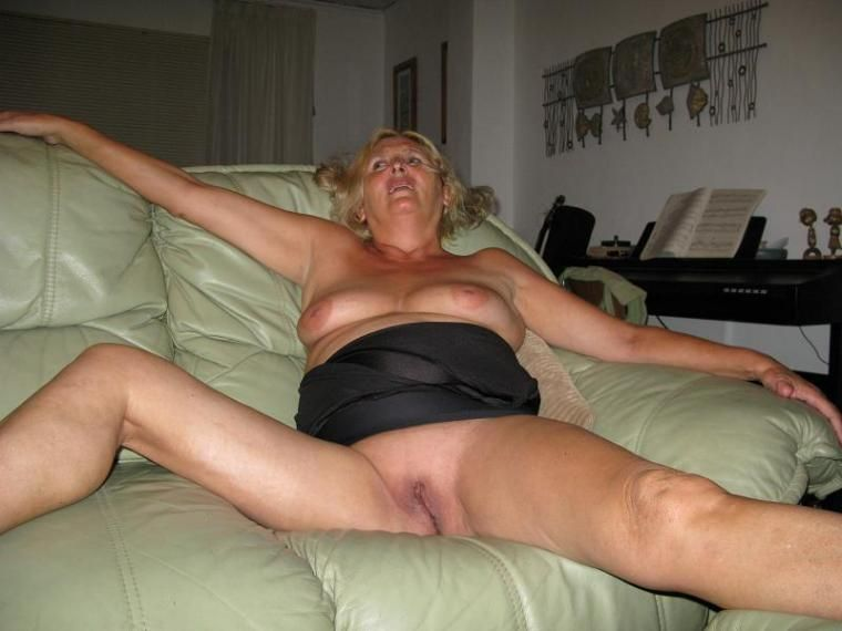 Mature big shaved