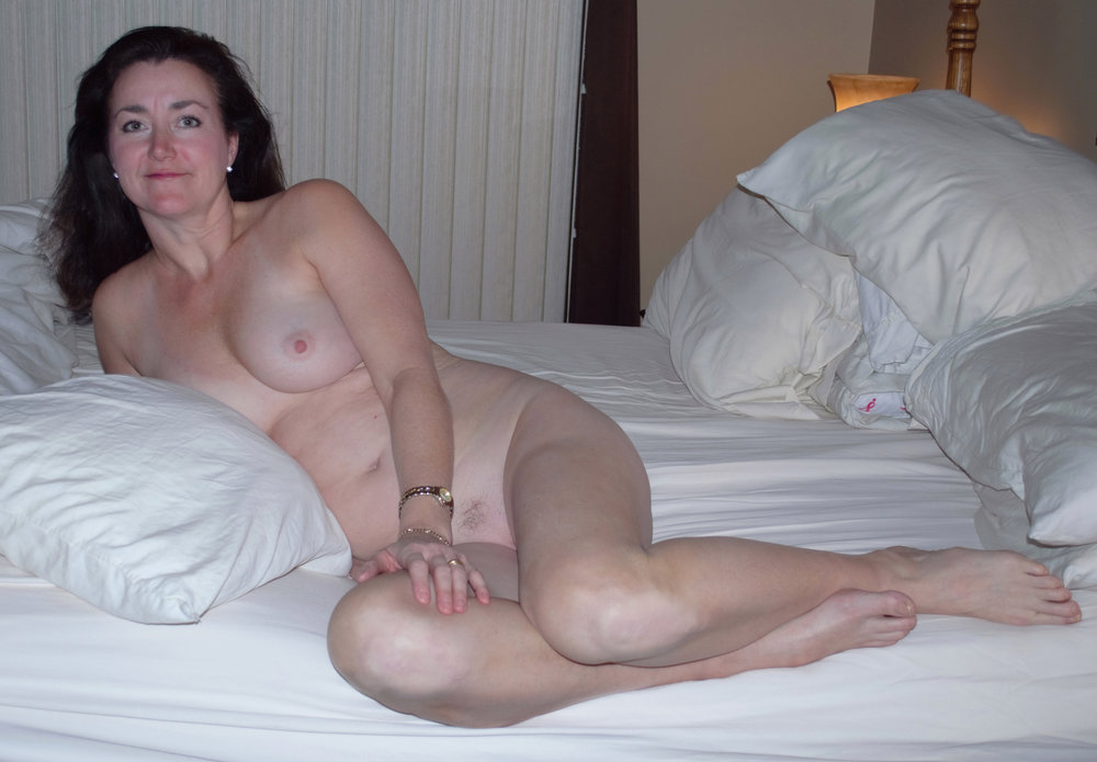 Bigtits wife show her sucking skill on cams l 4
