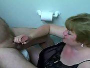 Fat mature momma sucks her hubbys hard tool in the bathroom